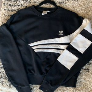 Adidas cropped long sleeve crew sweatshirt